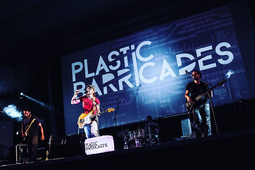 Plastic Barricades – Around The Sun