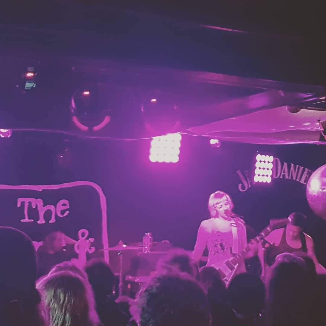 Dilly Dally supported by Hotel Lux